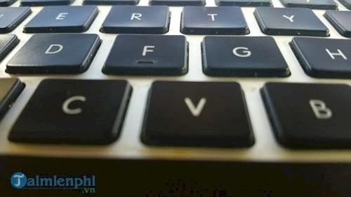 cách bật đèn bàn phím